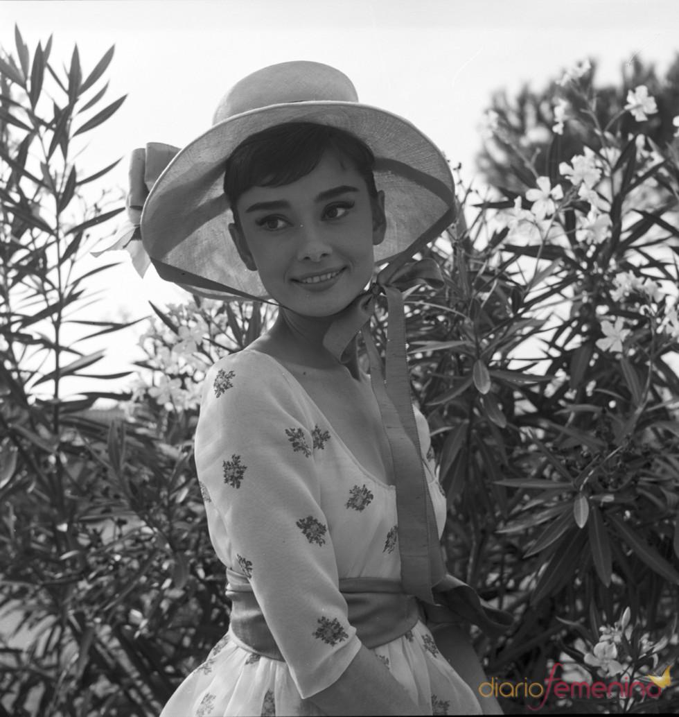 La elegante y frágil Audrey Hepburn