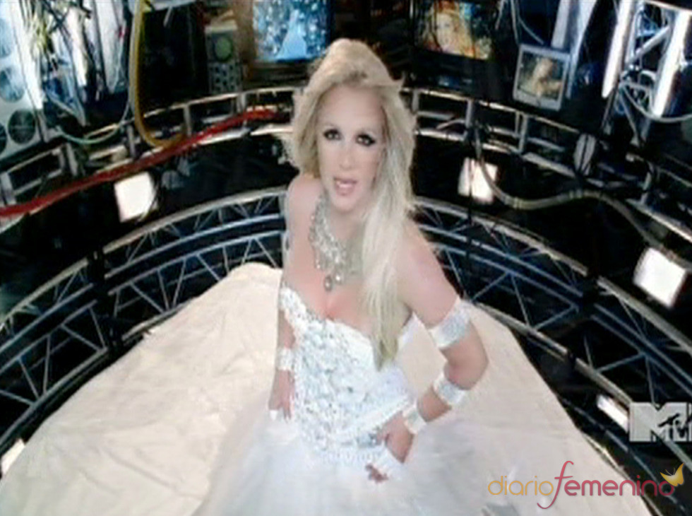 Britney Spears, dulce novia en su nuevo videoclip