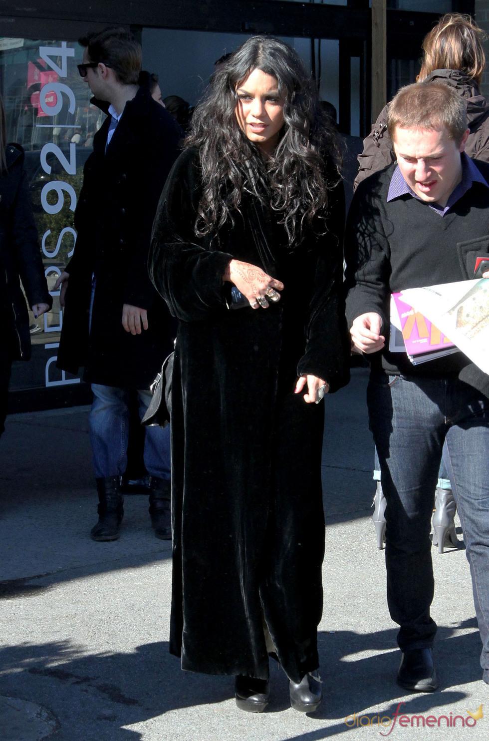 Vanessa Hudgens al más puro estilo gótico