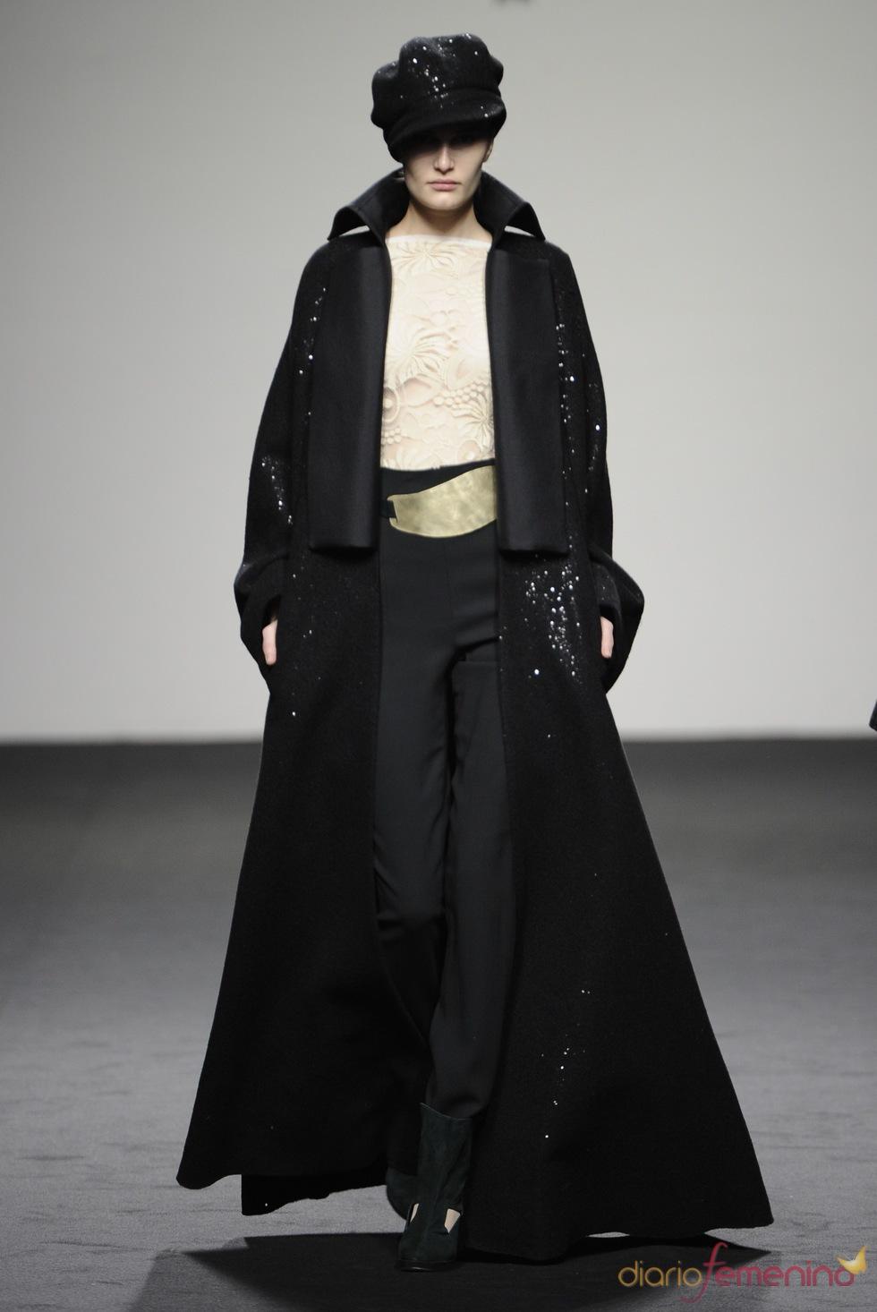Abrigo años '40. Jesús del Pozo O/I 2011-12. Cibeles Madrid Fashion Week