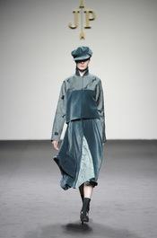 Terciopelo verde. Jesús del Pozo O/I 2011-12. Cibeles Madrid Fashion Week