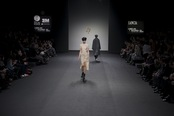 Encajes y formas asimétricas. Jesús del Pozo O/I 2011-12. Cibeles Madrid Fashion Week