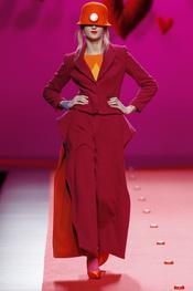 Las caderas ganan volumen con Agatha Ruiz de la Prada en Cibeles 2011