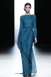 Vestido de noche turquesa de Juanjo Oliva