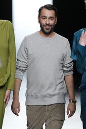 Juanjo Oliva sale a la pasarela Cibeles 2011