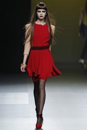 Ana Locking presenta sus diseños en Cibeles 2011