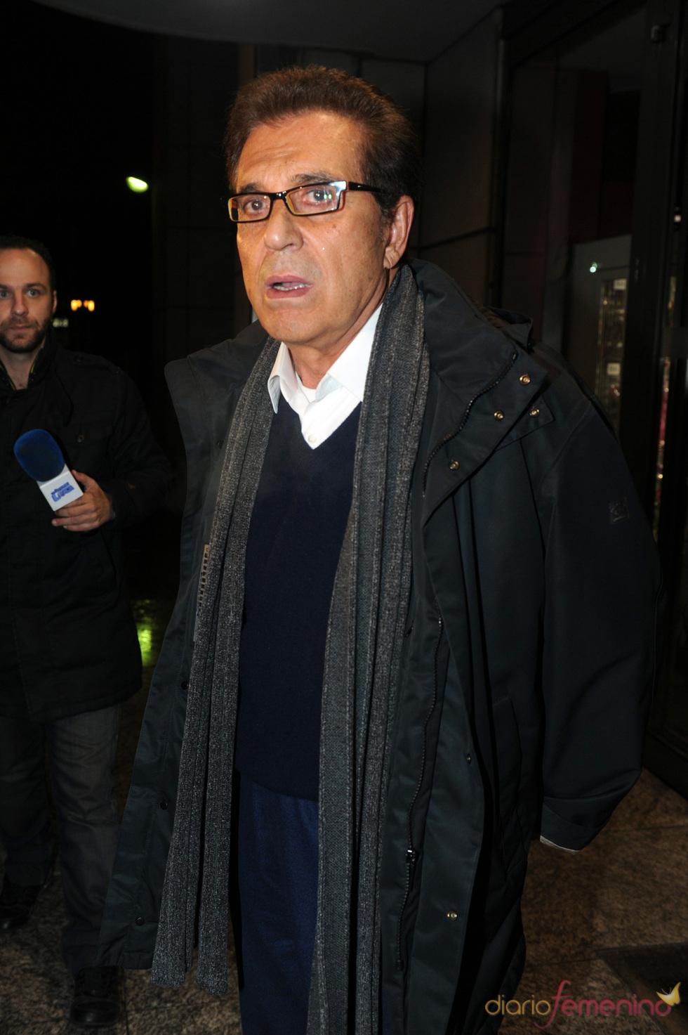 Andrés Pajares en el velatorio por la muerte de Florinda Chico