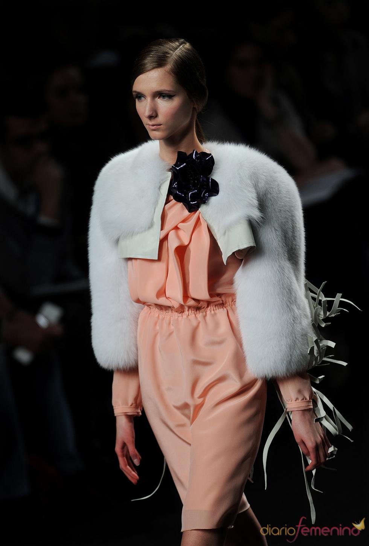 Vestido salmón. Miguel Palacio. Cibeles Madrid Fashion Week 2011