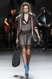 Vestido gris. TCN. Cibeles Madrid Fashion Week 2011