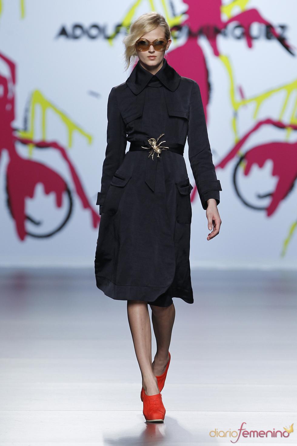 Vestido negro de terciopelo de adolfo dom nguez for Ultimas noticias sobre adolfo dominguez