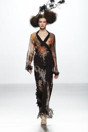 Transparencias en la colección de Elisa Palomino O/I 2011-12. Cibeles Madrid Fashion Week