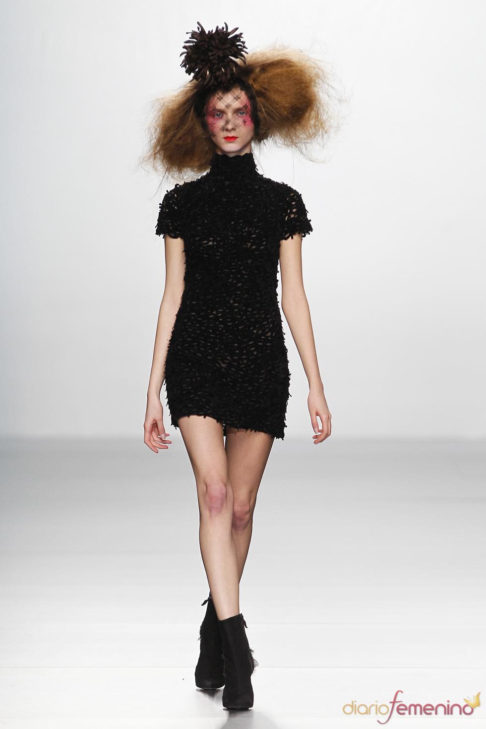 Little Black Dress. Elisa Palomino O/I 2011-12. Cibeles Madrid Fashion Week