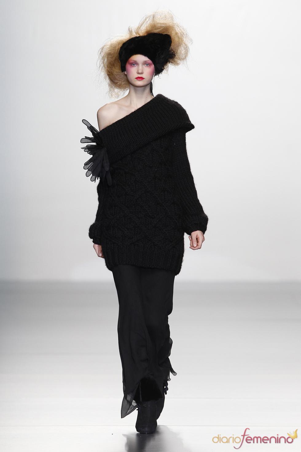 Jersey oversize. Elisa Palomino O/I 2011-12. Cibeles Madrid Fashion Week