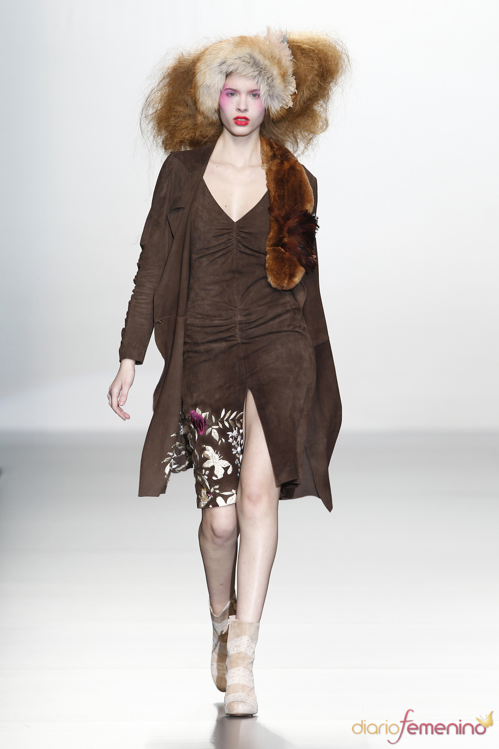 Vestido marrón de Elisa Palomino O/I 2011-12. Cibeles Madrid Fashion Week