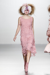 Total look rosa. Elisa Palomino O/I 2011-12. Cibeles Madrid Fashion Week