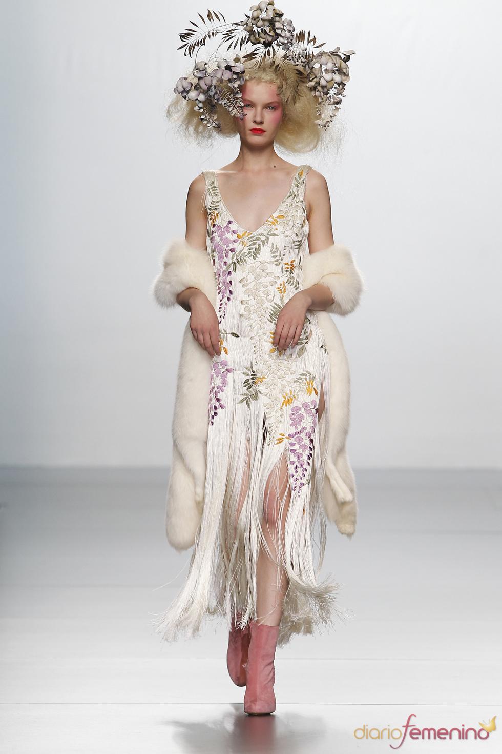 Vestido con flecos. Elisa Palomino O/I 2011-12. Cibeles Madrid Fashion Week