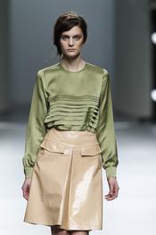 Falda charol en nude. Teresa Helbig O/I 2011-12. Cibeles Madrid Fashion Week