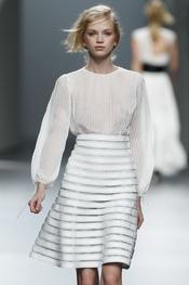 Falda talle alto.Teresa Helbig O/I 2011-12. Cibeles Madrid Fashion Week