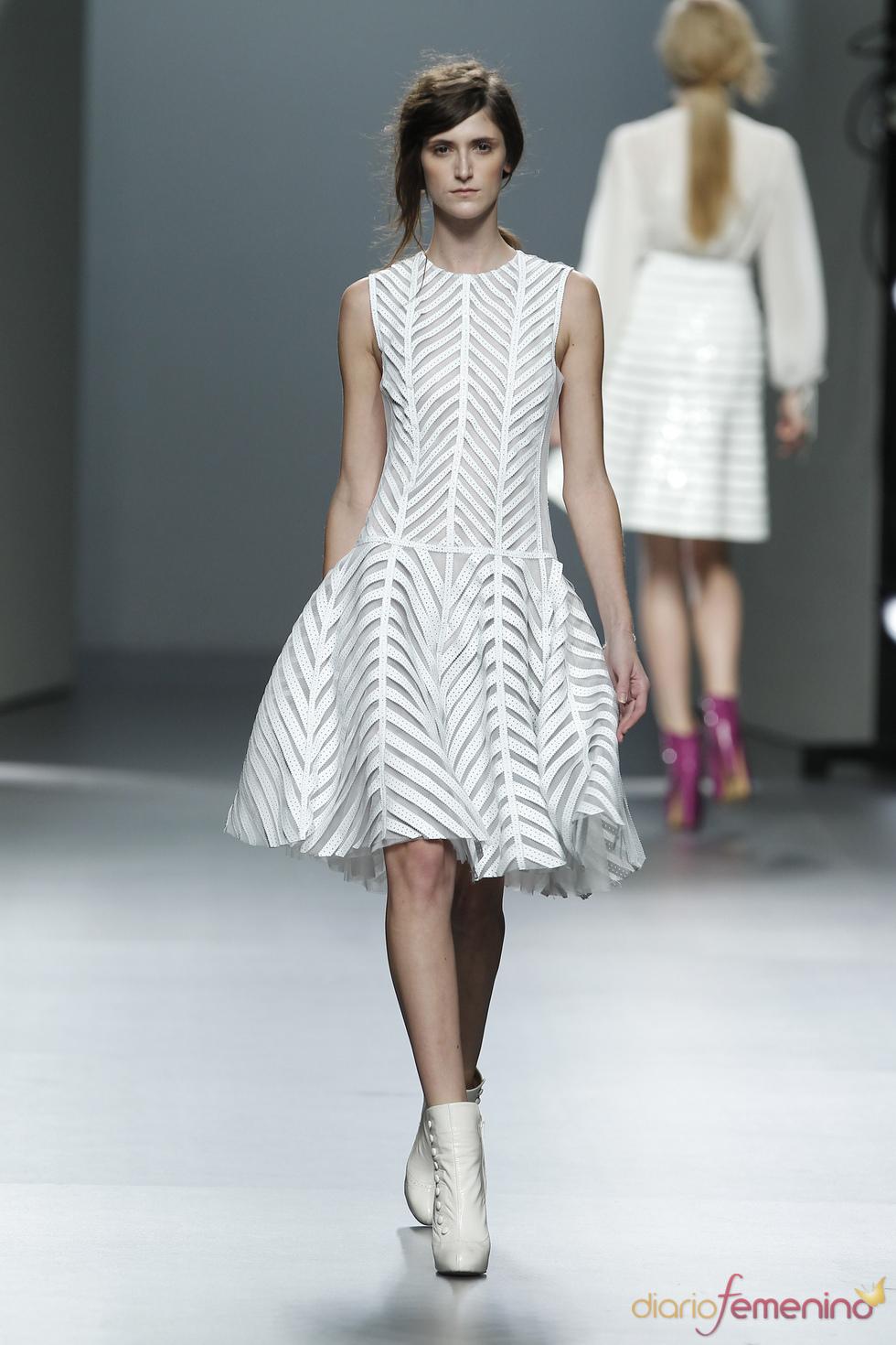 Vestido con vuelo.Teresa Helbig O/I 2011-12. Cibeles Madrid Fashion Week