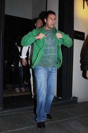 Adam Sandler, de cena por Madrid tras la premier de 'Sígueme el rollo'