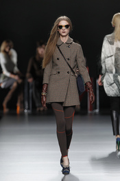 Chaqueta marrón. Ión Fiz. Cibeles Madrid Fashion Week 2011