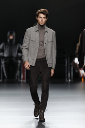 Traje masculino. Ión Fiz. Cibeles Madrid Fashion Week 2011