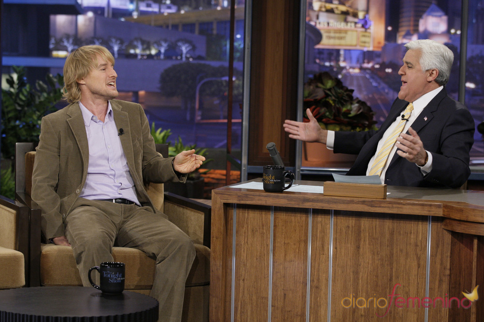 Owen Wilson bromeando con Jay Leno