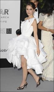 Natalie Portman con un espectacular vestido blanco