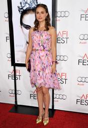Natalie Portman con look muy primaveral