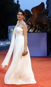 Anne Hathaway en el festival de Venecia 2006