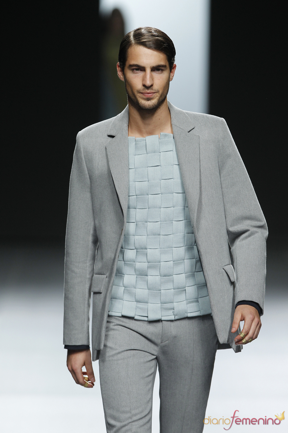 Traje masculino gris. Martín Lamothe. Cibeles Madrid Fashion Week 2011