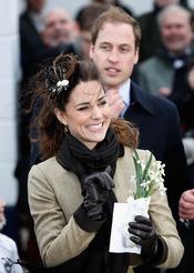 Kate Middleton y el Príncipe Guillermo en un acto