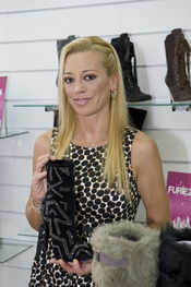 Nueva colección de zapatos de Belén Esteban