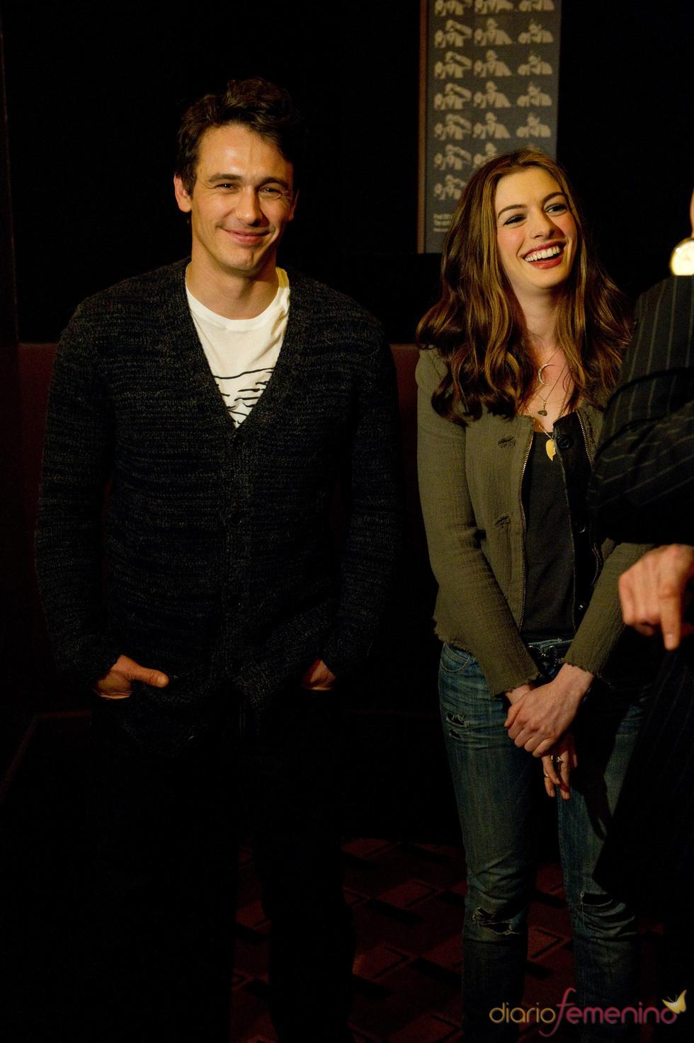 James Franco y Anne Hathaway, presentadores de los Oscars 2011