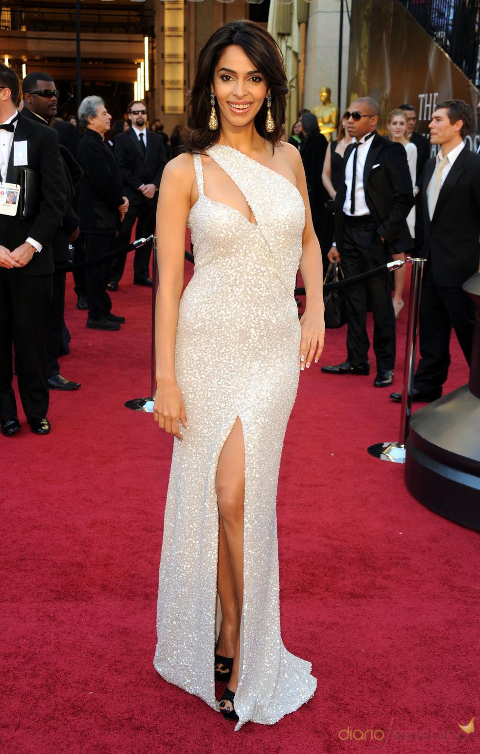 Mallika Sherawat posa en la alfombra roja de los Oscar 2011