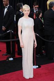 Michelle Williams en la alfombra roja de los Oscar 2011
