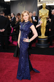 Amy Adams posa en la alfombra roja de los Oscar 2011