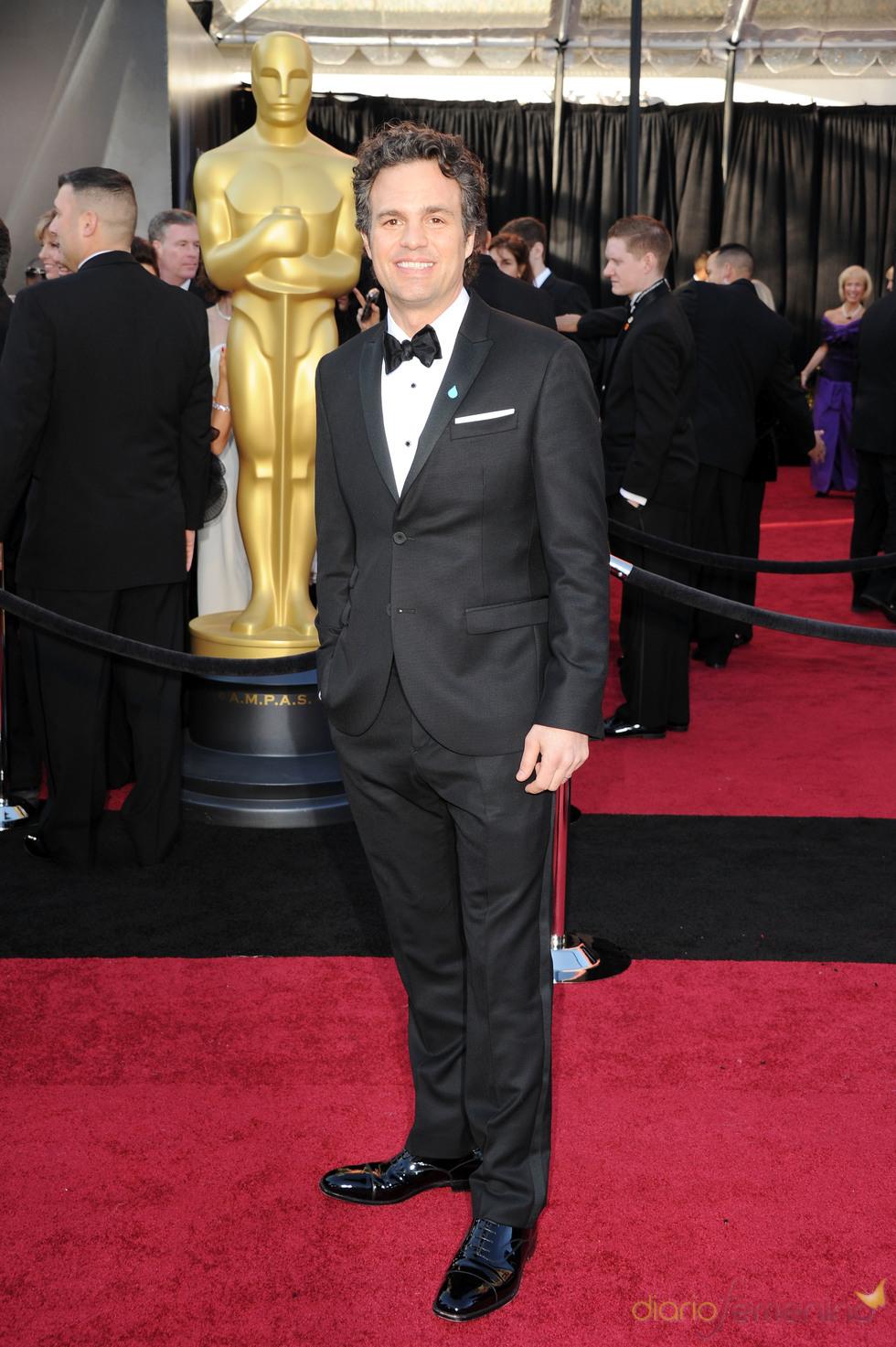 Mark Ruffalo posa en la alfombra roja de los Oscar 2011