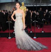 Hilary Swank en la alfombra roja de los Oscar 2011