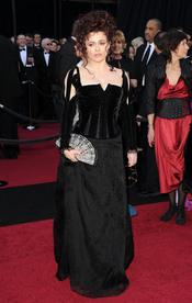 Helena Bonham Carter en la alfombra roja de los Oscar 2011