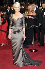 Helen Mirren en la alfombra roja de los Oscar 2011