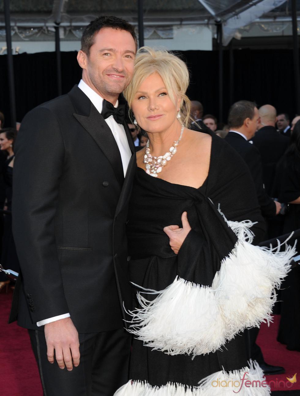 Hugh Jackman y Deborra-Lee Furness en la alfombra roja de los Oscar 2011