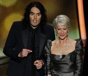 Helen Mirren y Rusell Brand otorgan mejor película no inglesa. Oscar 2011