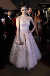 Hailee Steinfeld en la cena Governor's Ball post Oscars 2011