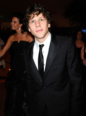Jesse Eisenberg en la cena Governor's Ball post Oscars 2011