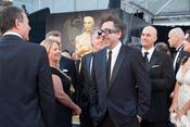 Tim Burton en la alfombra roja de los Oscars 2011