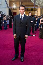Josh Brolin en la alfombra roja de los Oscars 2011
