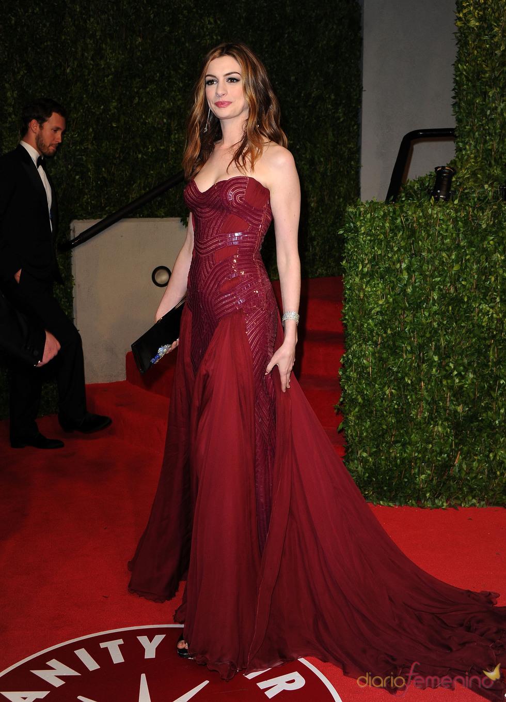 Anne Hathaway en la fiesta Vanity Fair de los Oscar 2011