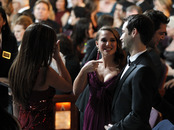 Natalie Portman presenta a su prometido a Penélope Cruz