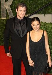 Elsa Pataky y Chris Hemsworth en la fiesta Vanity Fair de los Oscars 2011